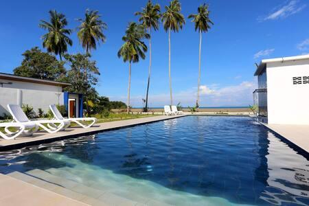 Rafflesia Resort 6  Siar Beach Lundu - Twin Beds
