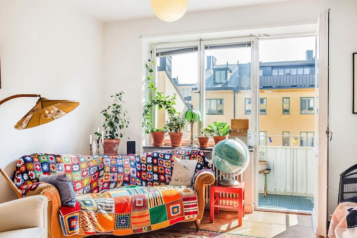 Sun-drenched Balcony. Quirky Design. In Slussen!