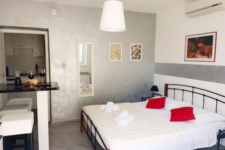 Apartments Russo - Studio apartment with beach