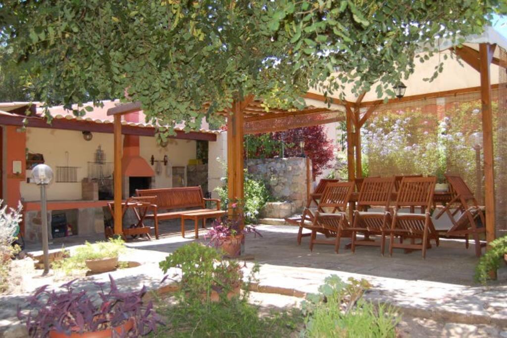 giardino area barbecue