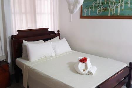 Rainbow Inn - 1 bedroom Eco-room