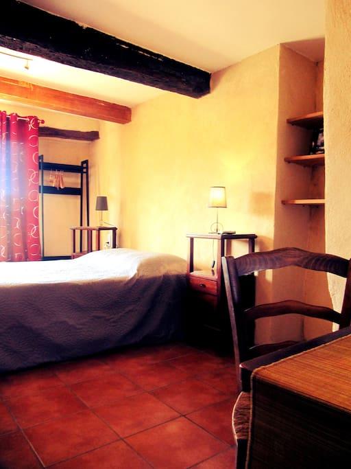 Provence authentique marjolaine chambres d 39 h tes louer aurel provence alpes c te d 39 azur - Chambre dhotes orange provence ...