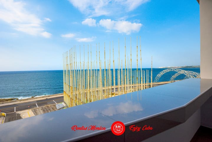 Modern Cozy Sea view balcony Vedado Serenity WiFi