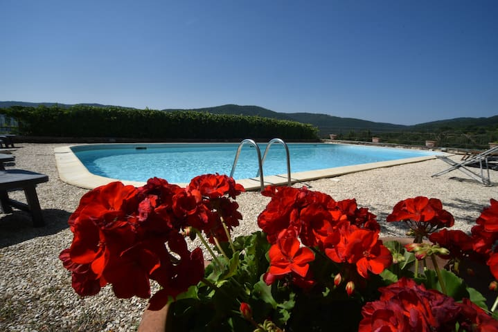Backpacker's Hostel with swimming pool, cute relax - Lisciano Niccone - Hostel