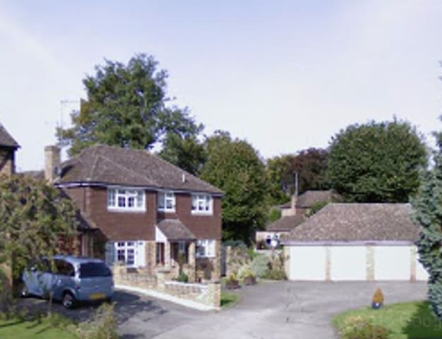 Family Home in Windlesham, Surrey