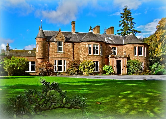 MANNOR HOUSE = 16 beds, for Weddings / Groups - Blairgowrie and Rattray - 獨棟