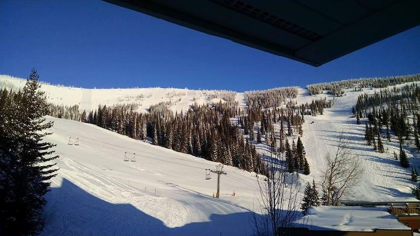 Schweitzer condo Ski in/out