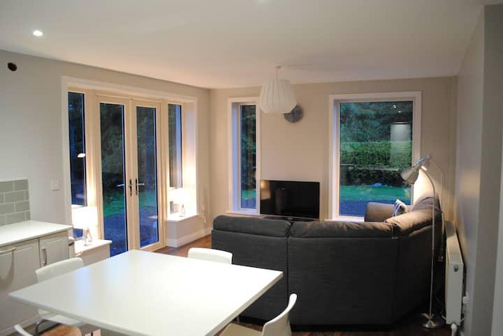 ★Luxury 3 Bedroom Garden Apartment★