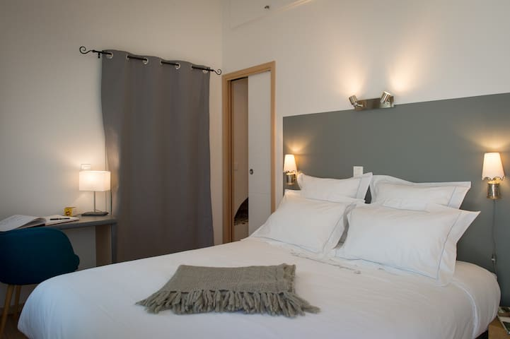 Room Au bord de l'eau - Beynes - Bed & Breakfast