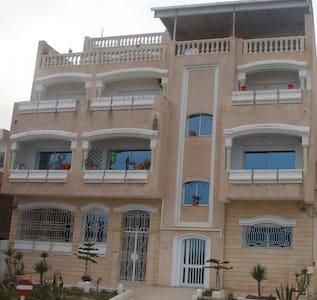 Villa avec une belle vue surr la mer méditerrané - La Goulette - 獨棟
