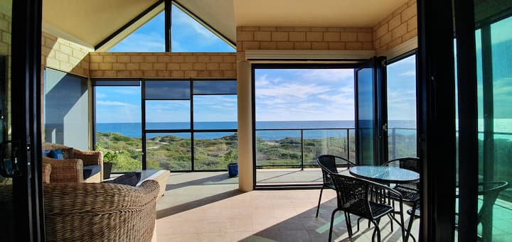Avalon Beach House - Port Bouvard (South Mandurah)
