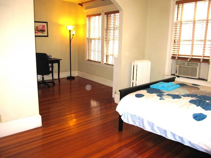 Sunny Master suite near longwood
