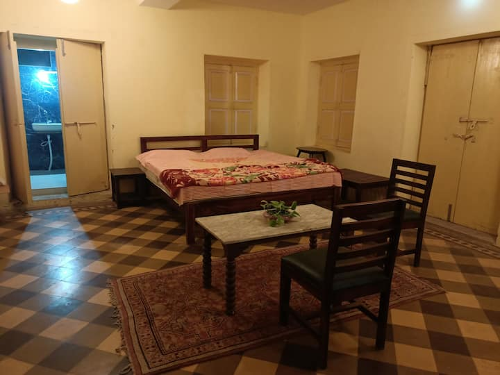 Parsi Heritage Home-Private Rooms