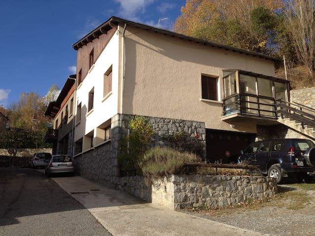 Maison de village de montagne - Enveitg - Ev