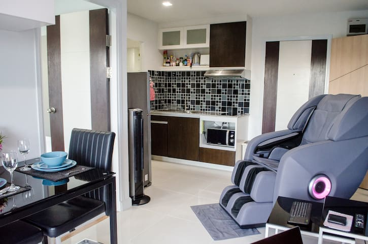 2 apartments combined with massage chair