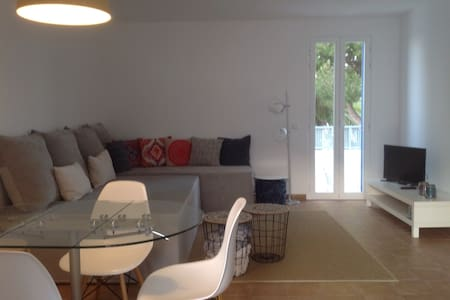 Apartment with communal pool, La Mola - Formentera