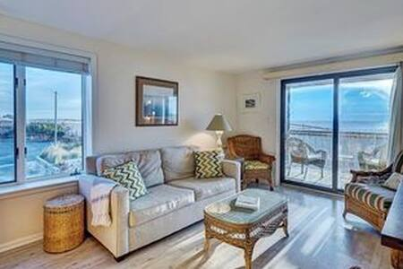 Bright Ocean Front Condo - Watch the Waves! - Beach Haven
