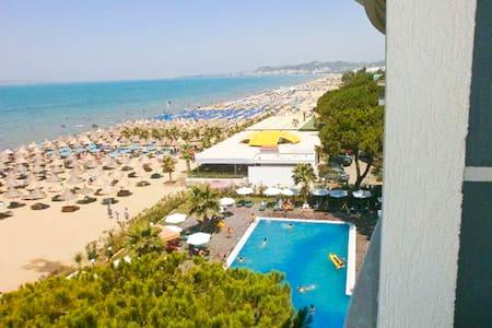 Beachfront LOFT 180° Seaview+Pool - Tirana