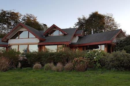 Frutillar Chile Cozy Magda's House - Hus