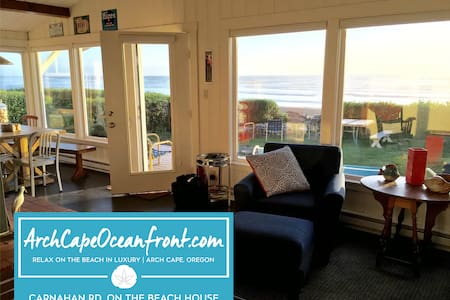 Castle Rock Cottage –  on the Beach