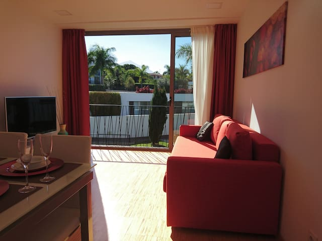 2 bedrooms, view Teide terrace,pool, wifi,parking