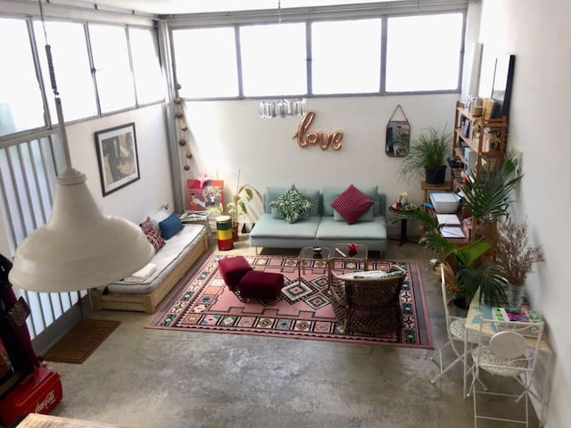 Super cool chic space in artistic area