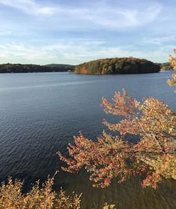 Beautiful Lake House- 1 hour from NYC - Mahopac - Huis