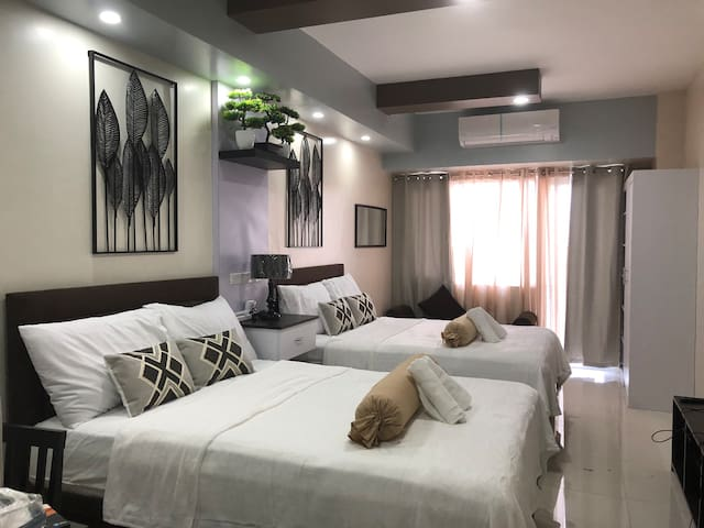 Cozy unit with a perfect view of Taal