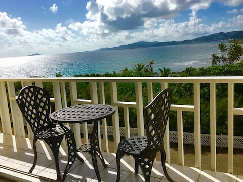 Waterfront Escape: Paradise at a Great Price!