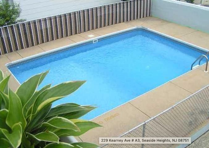 Jersey Shore: Pool Parking Beach & Beds