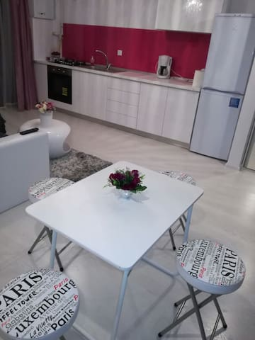 White Luxury Appartment Sibiu