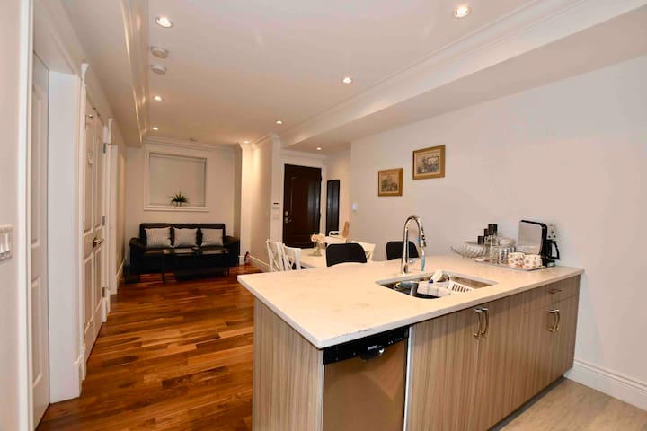 Well furnished with high quality wood floor and furnitures and appliances