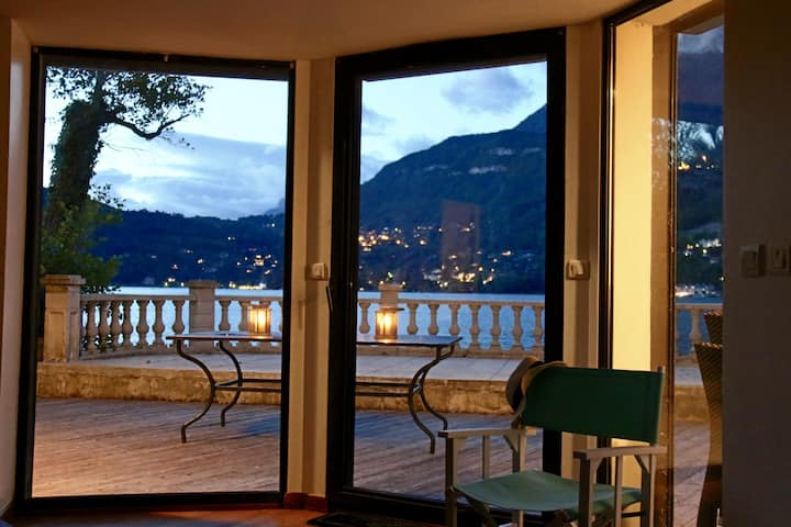 Exceptional apt with direct access to the lake