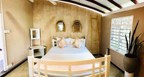 Kin (Room 2) - En-suite / sea view / yoga deck