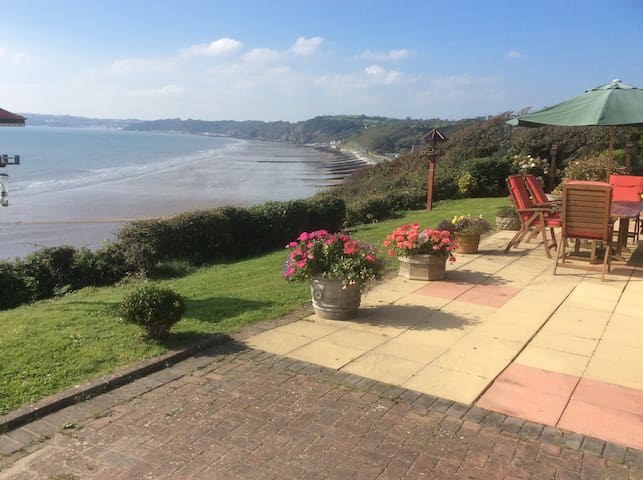 Panoramic Cliff Top Room - Amroth