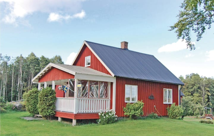 Awesome home in Dalskog with 2 Bedrooms