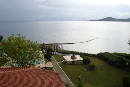 (Γ2) studio 1(35 m2), priv. beach, swim. pool etc.