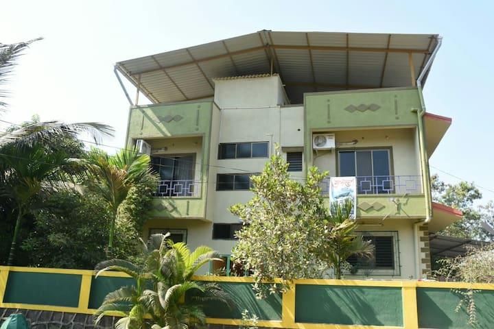 Gulmohar Cottage 103 - Mountain view apartment
