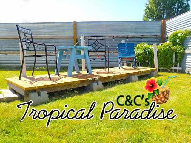 "C&C's Coastal Cottage Apt. B  ""Tropical Paradise"""