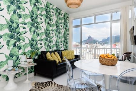 IpaChic! 2BD + View, Ipanema Beach