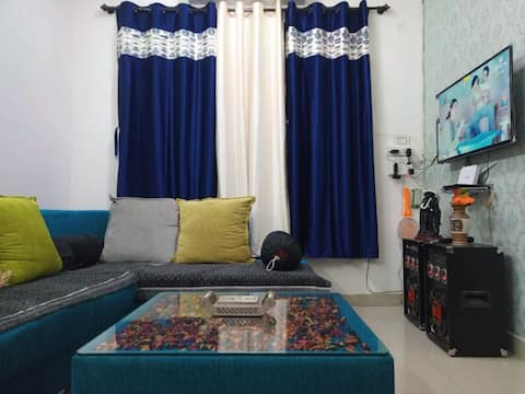 2 bhk fully furnished modern apartment for family
