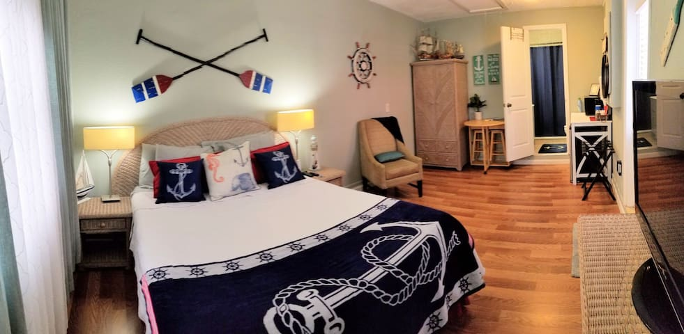 ⚓KING SIZE⚓NAUTICAL⚓ in-law Studio Suite