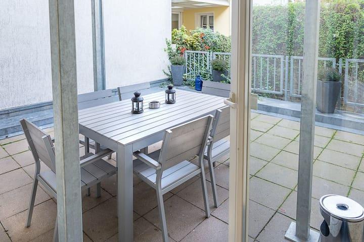 3-Zi. Apartment für bis zu 6 Gäste im Zentrum (02)