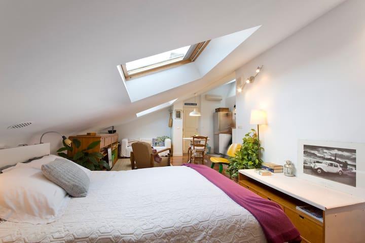 El apartamento es muy luminoso