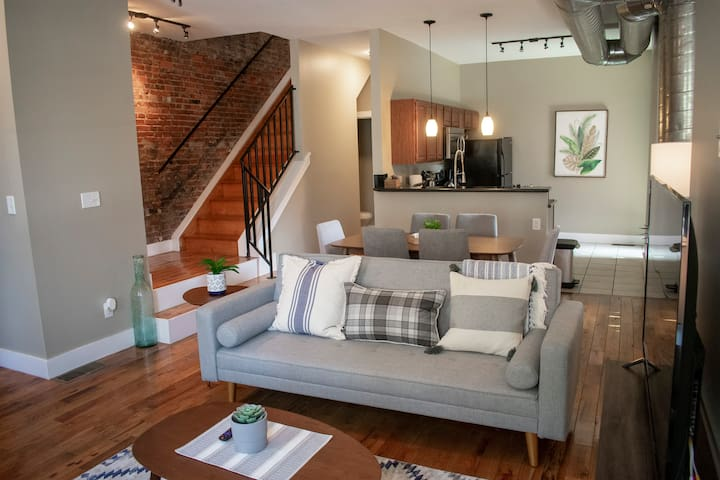 Spacious Parkside Suites with Private Roof Deck!