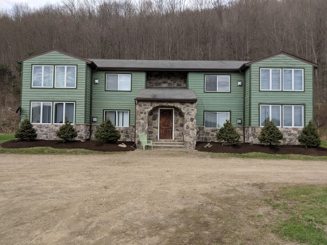 Ellicottville Valley Lodge