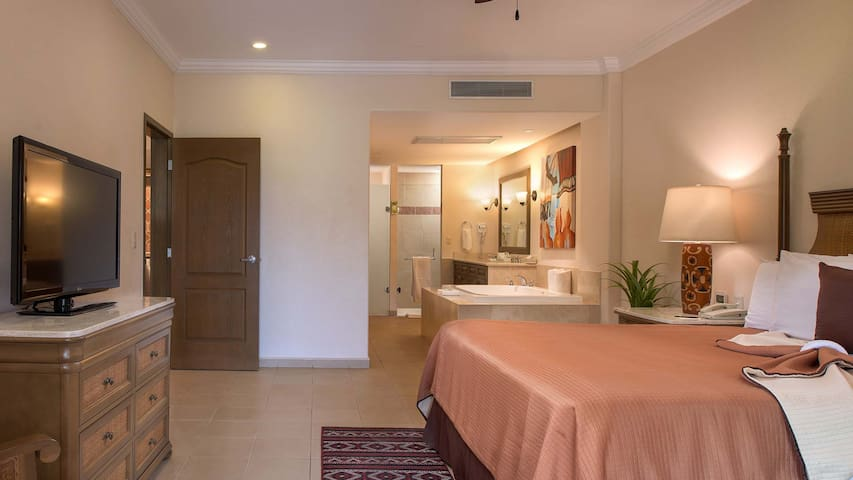 One Bedroom Suite at Villa del Palmar Loreto
