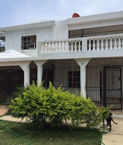 Rooms for rent in guest house!!! - Huis