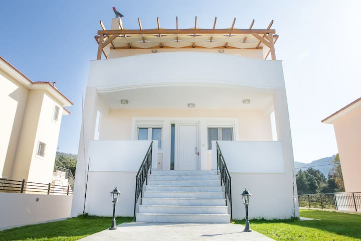 3 Bedroom House - Maritsa - House