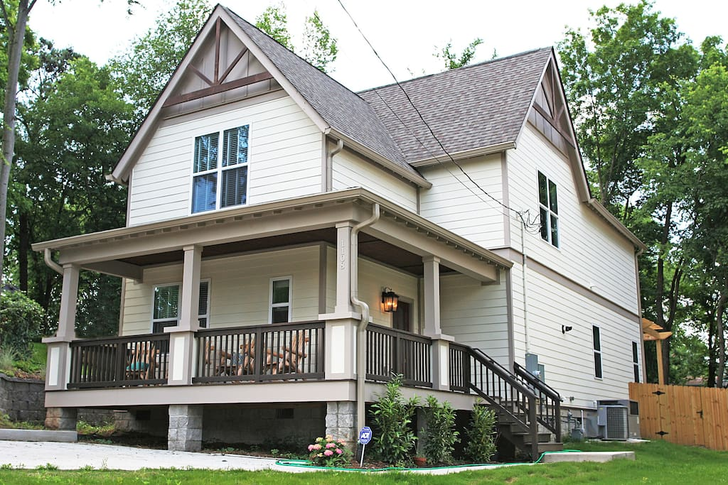 Welcome to the Musician's Farmhouse - 2300 square feet of space for you and your group!